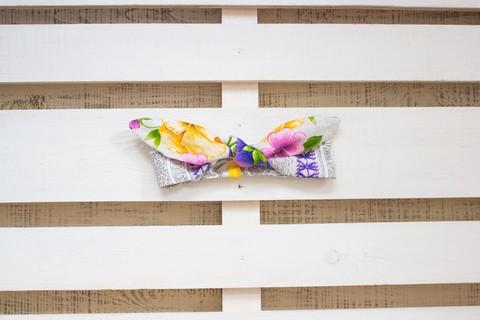 Повязка на голову (солоха) белая с крупными фиолетовыми цветами