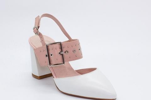 Кожаные босоножки на высоком каблуке