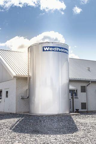 10 000 литров | Резервуар для охлаждения молока, от 10 000 до 40 000 литров, вертикальный закрытый