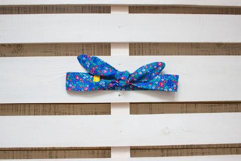 Повязка на голову (солоха) синяя с малиновыми цветами