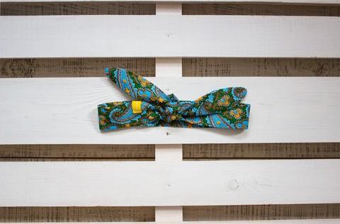 Повязка на голову (солоха) зеленая с голубым пейсли