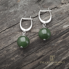 Серьги с зелёным нефритом Д 12мм  (класс моде).