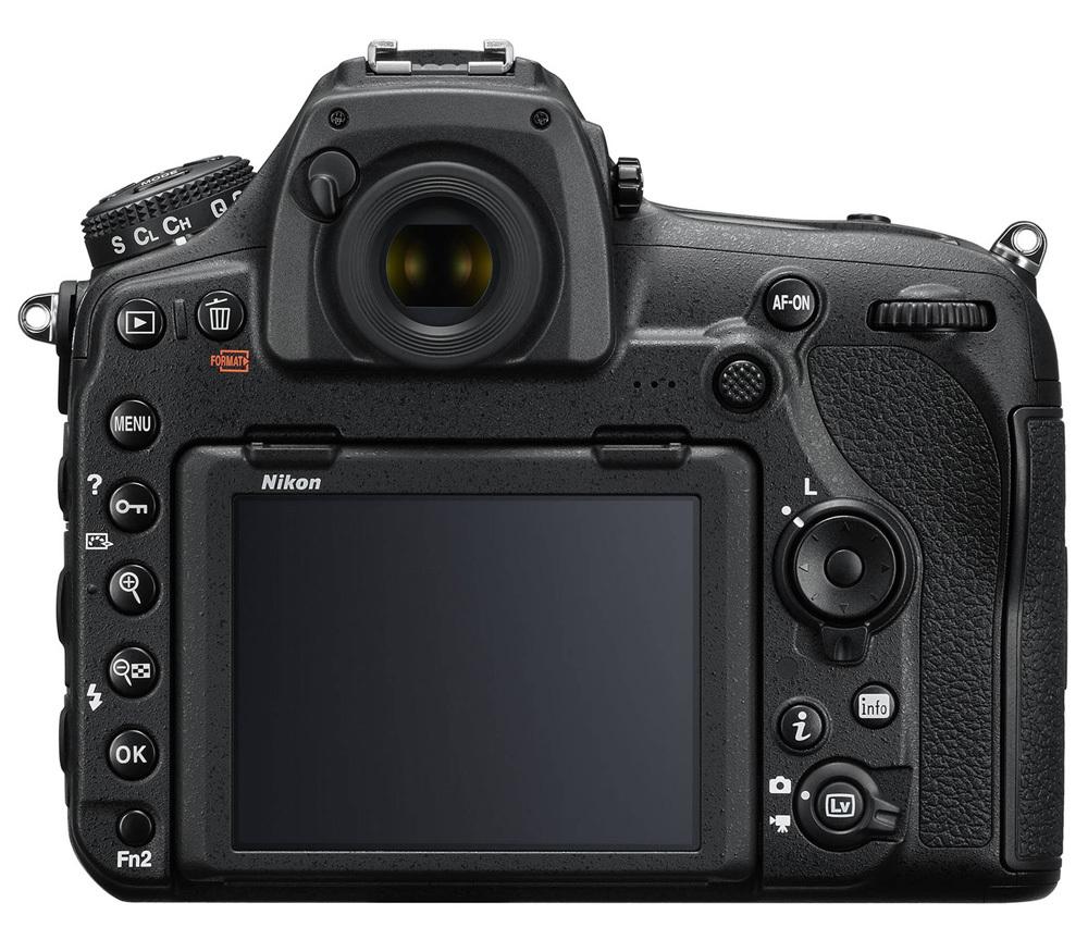 Зеркальный фотоаппарат для репортажной съемки