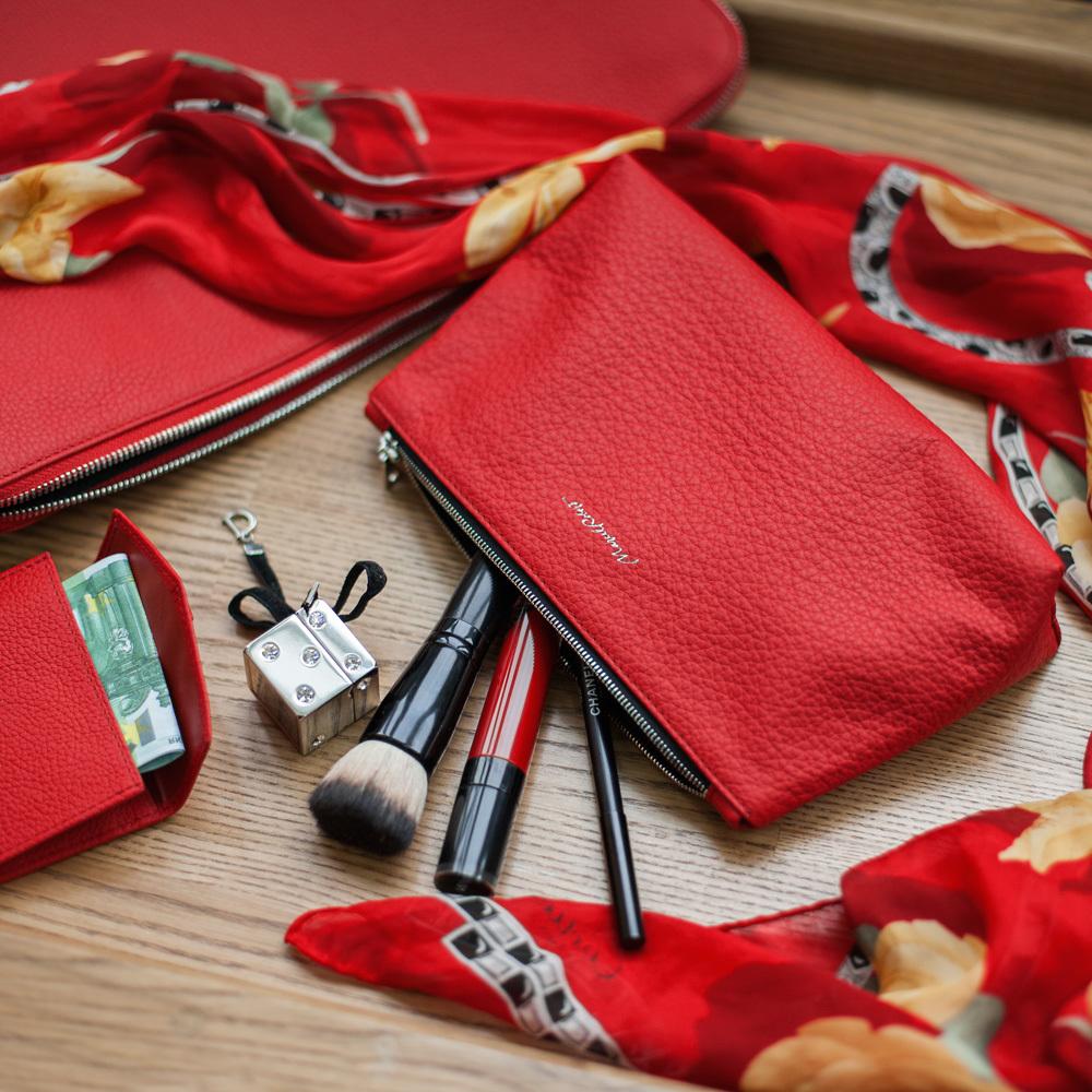Женская косметичка Etoile Easy из натуральной кожи теленка, красного цвета