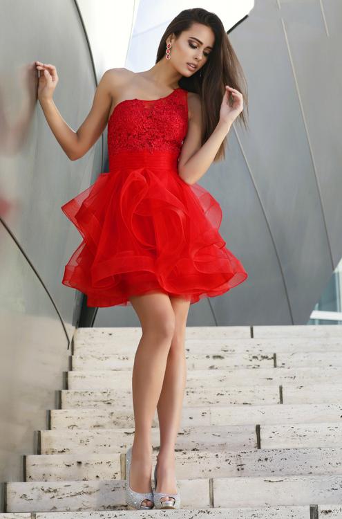 Shail K  5226 Ярко алое платье пышное, легкое. короткое, лиф украшен камнями