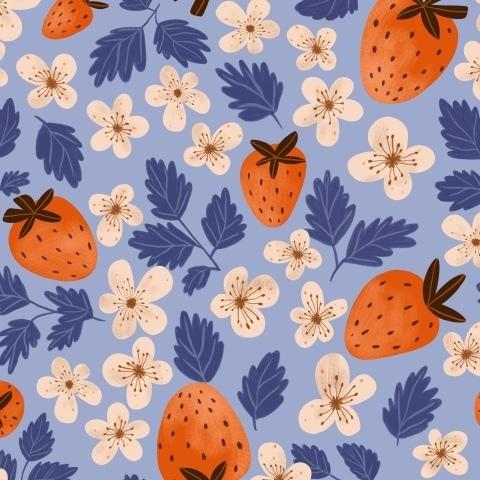 Клубника, лето и цветы