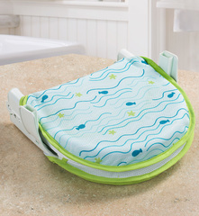 Складной лежак для купания Fold 'n'Store