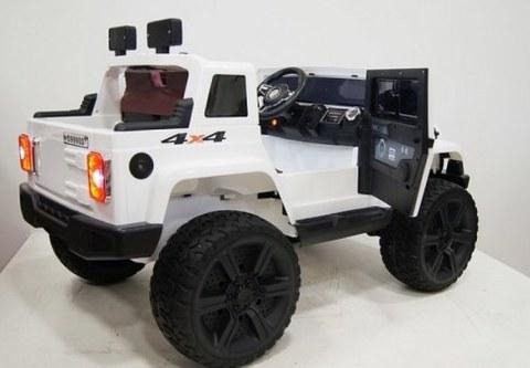 Детский электромобиль Rivertoys JEEP WRANGLER O999OO белый