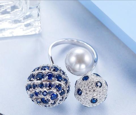 Разьемное кольцо из серебра с тремя крупными шарами