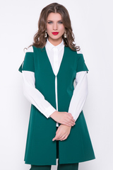 <p>Хит сезона! Брючный костюм является неотъемлемой частью гардероба современных женщин. Он отлично подходит как для деловых встреч, так и для повседневнего использования. Жакет с карманами. Застежка на крючке. Рукав короткий с декоративным украшением. Брюки на резинке.</p>