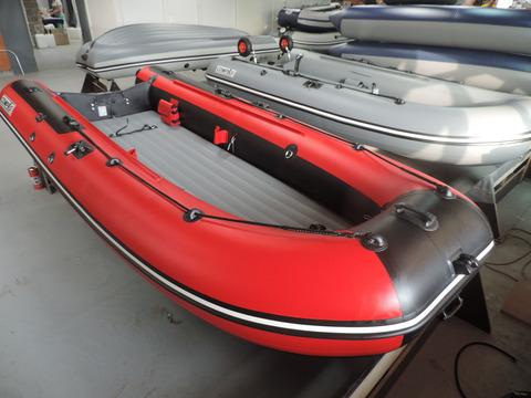 Надувная лодка Compas-430 с НДНД, красный
