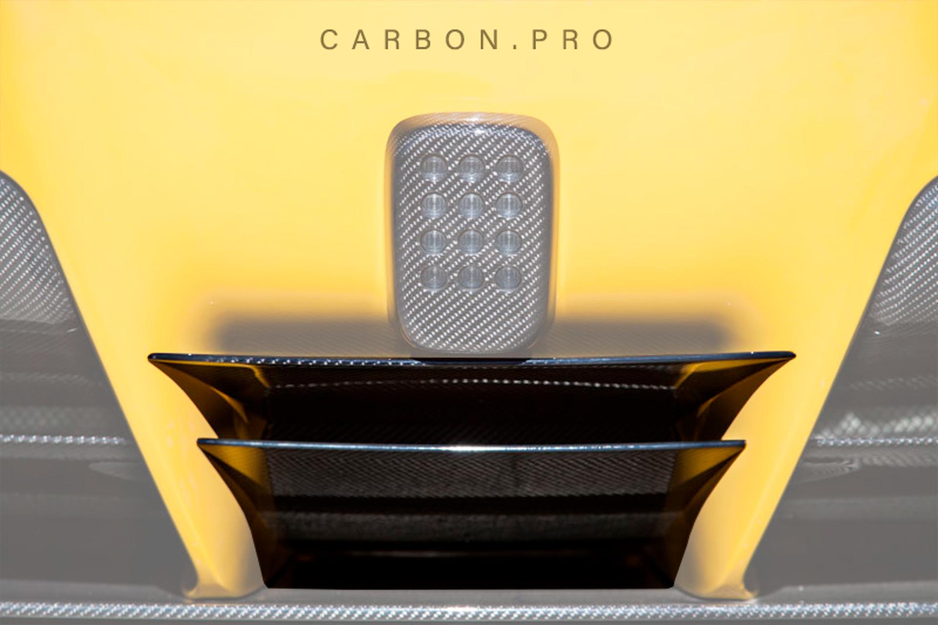 Карбоновые горизонтальные вставки в задний бампер Novitec Style для Ferrari F12 Вerlinetta