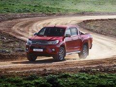 Чехлы на Toyota Hilux 2015–2019 г.в.