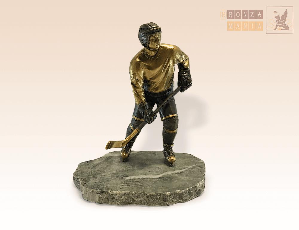 статуэтка Хоккеист