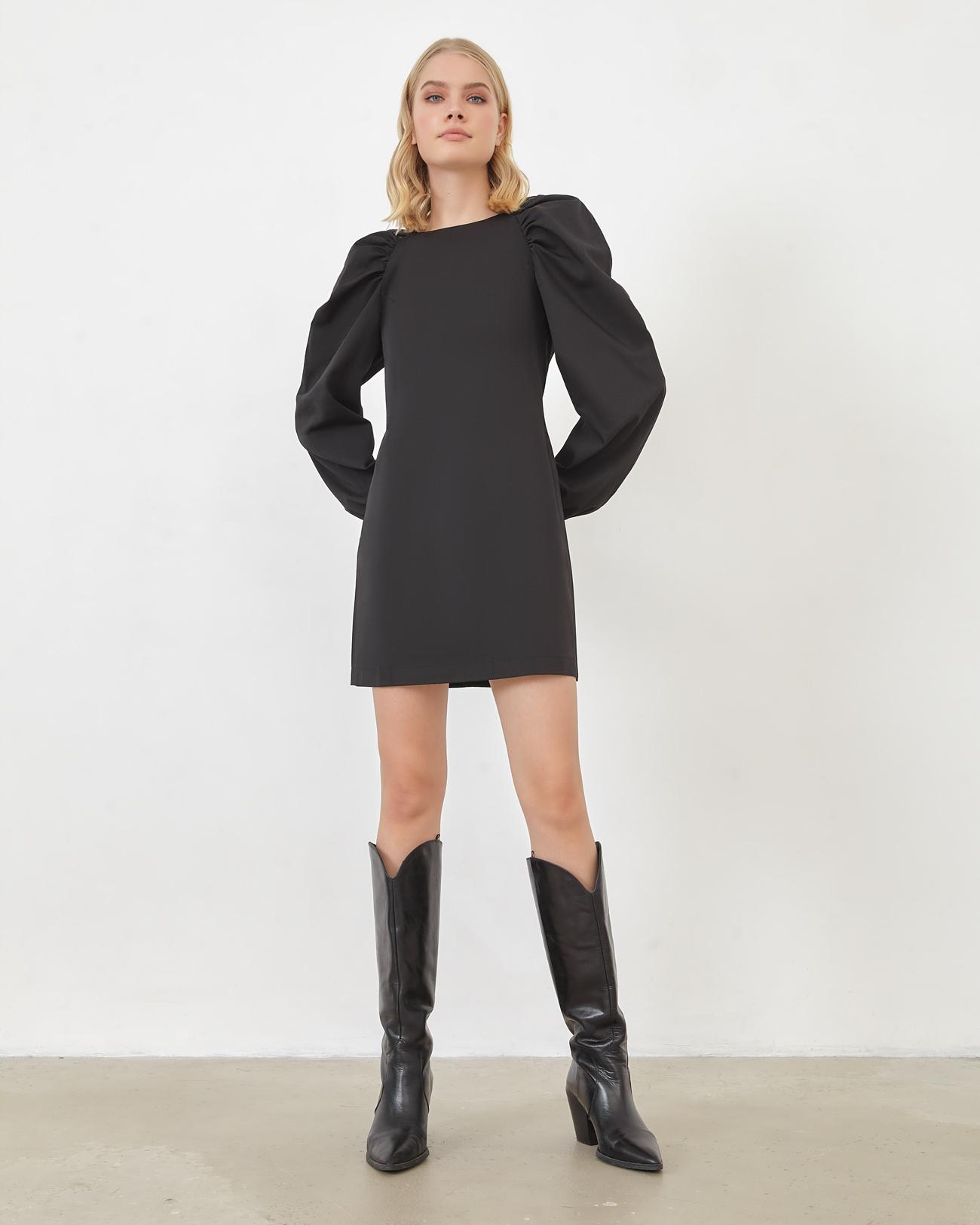 Платье мини с рукавами реглан черного цвета фото