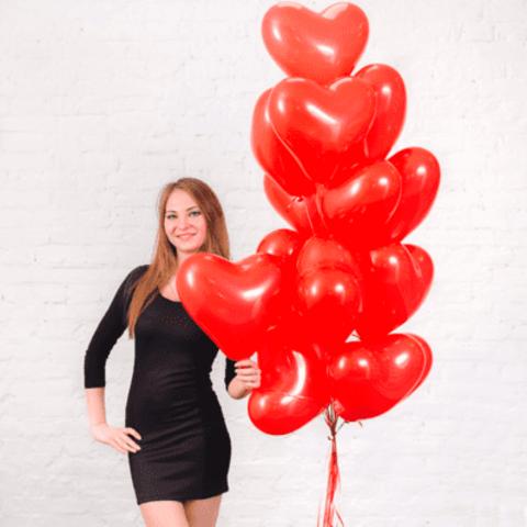 Шарики красные сердечки