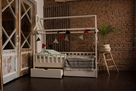 Кроватка-домик