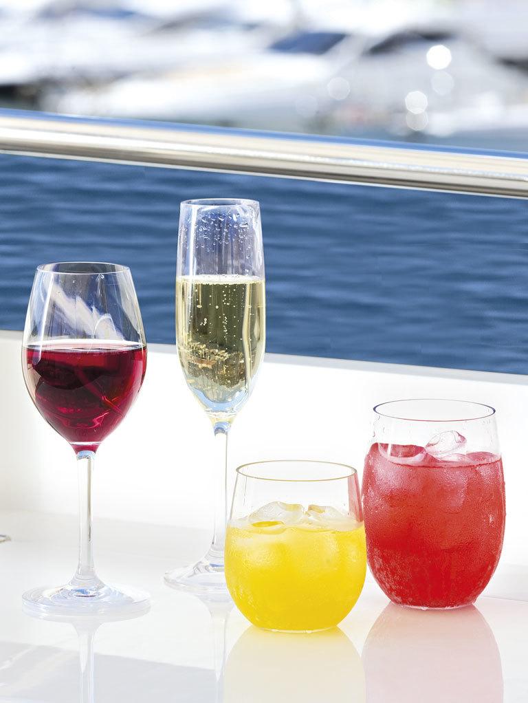 NON SLIP BEVERAGE GLASS, CLEAR