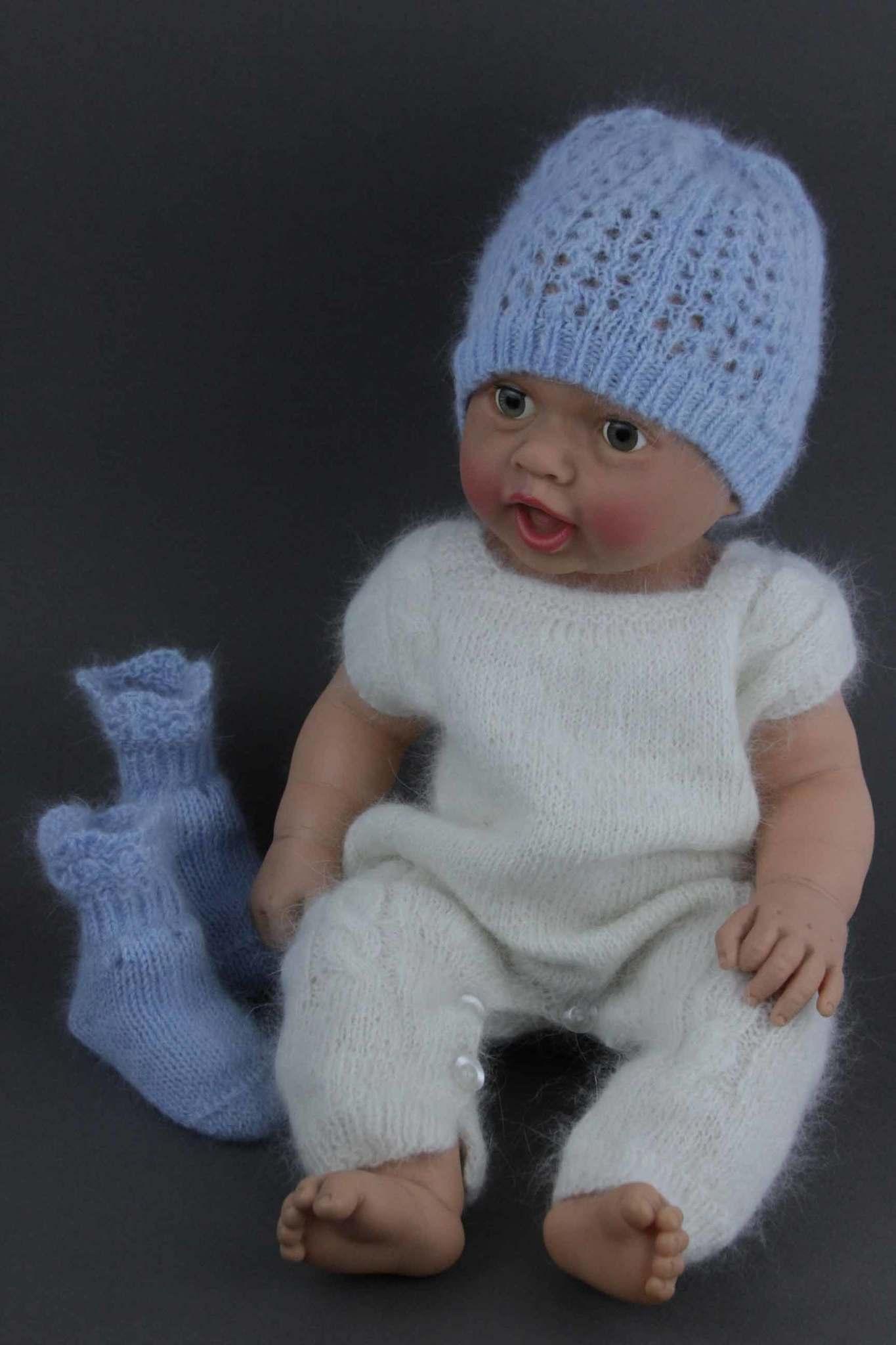 Blue_angora_lace_hat