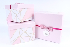 Подарочная коробка Розовая с бантиком 22x22x12 см