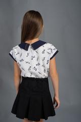 Вита. Классическая блуза с круглым воротником. Котики