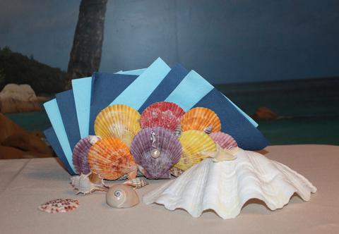 Салфетница из ракушек Морской гребешок