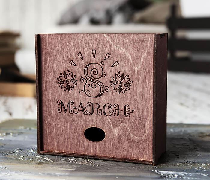 BOX224-3 Фиолетовая деревянная коробка «8 MARCH» (17*17*7 см)
