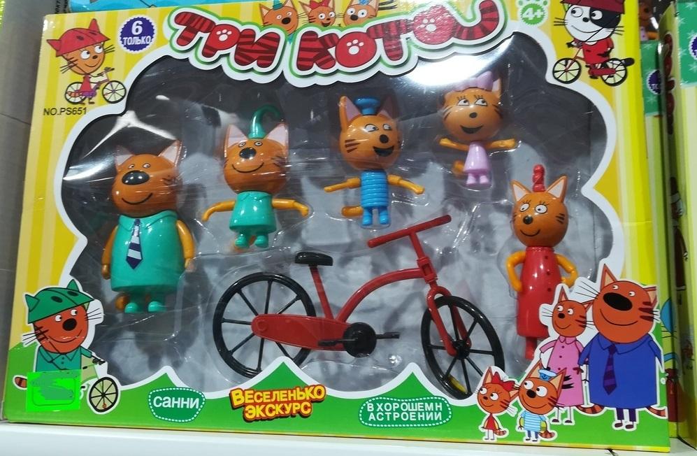 Набор из пяти фигурок и велосипеда