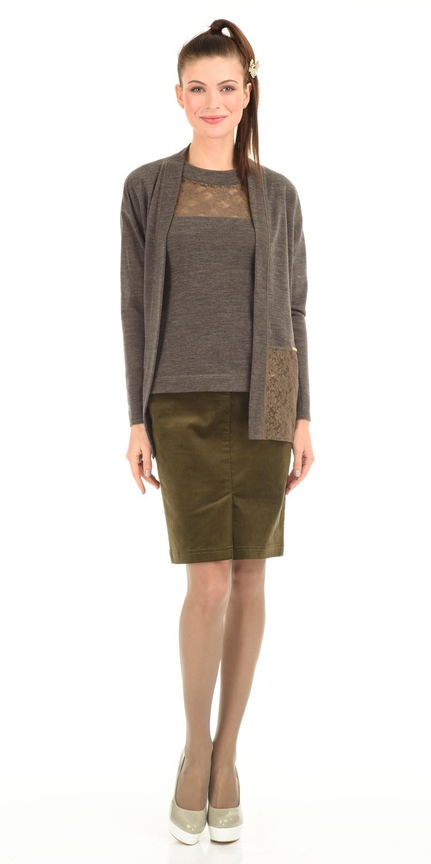 Юбка Б001-152 - Прямая вельветовая юбка. Спереди и сзади накладные карманы и шлицы. Юбка превосходно сочетается со многими предметами гардероба, позволяя создавать разные образы