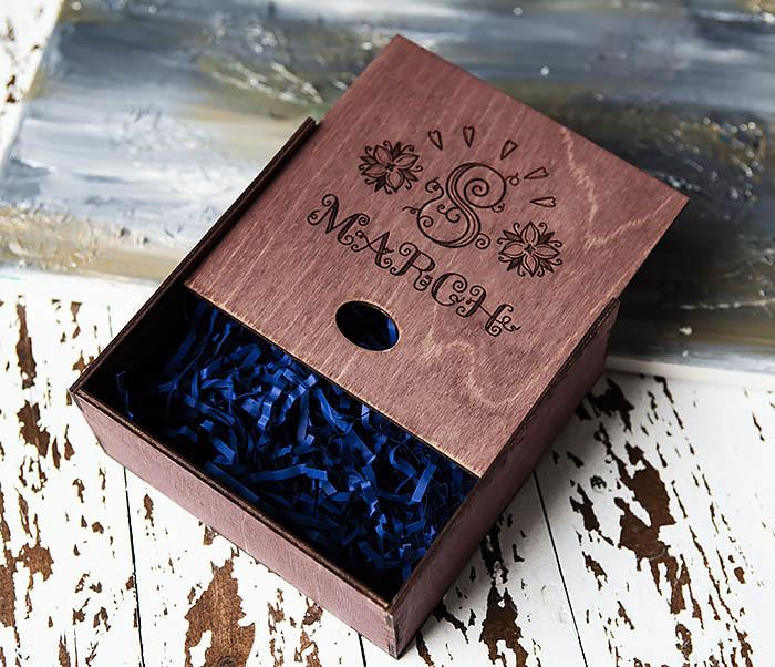 BOX224-3 Фиолетовая деревянная коробка «8 MARCH» (17*17*7 см) фото 04