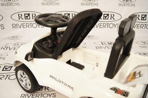 Электромобиль Rivertoys Ford Ranger DK-P01 белый