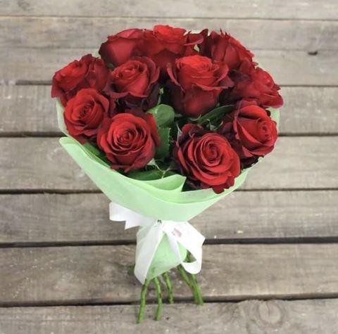 11 эквадорских роз 60 см в оформлении #14562