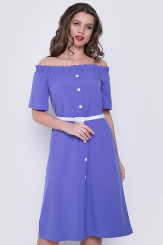 <p>Модное платье со спущенной линией плеча, на резинке. По переду имитация планки с пуговицами. Платье свободного кроя. Ремешок в подарок от ELZA.</p>