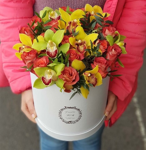 Коробка розы с орхидеей 8