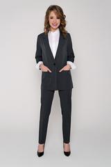 <p>Хит сезона! Деловой костюм модного кроя. Пиджак свободного силуэта. Рукав длинный. Функциональные карманы. Без подклада. Брюки на резинке. Длины: Пиджак: 44-50р - 76-78см Брюки :44-52р. - 100-104 см.</p>