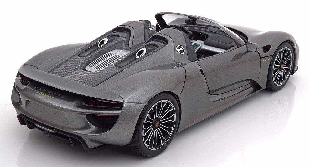 Коллекционная модель Porsche 918 Spyder 2013
