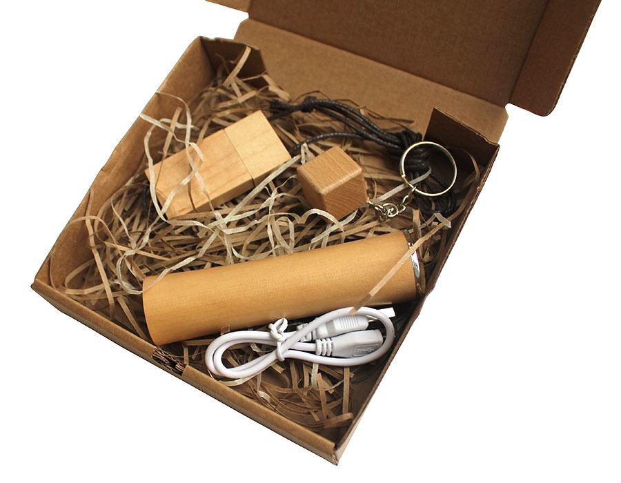 Подарочный эко-набор из дерева 8-64 Гб
