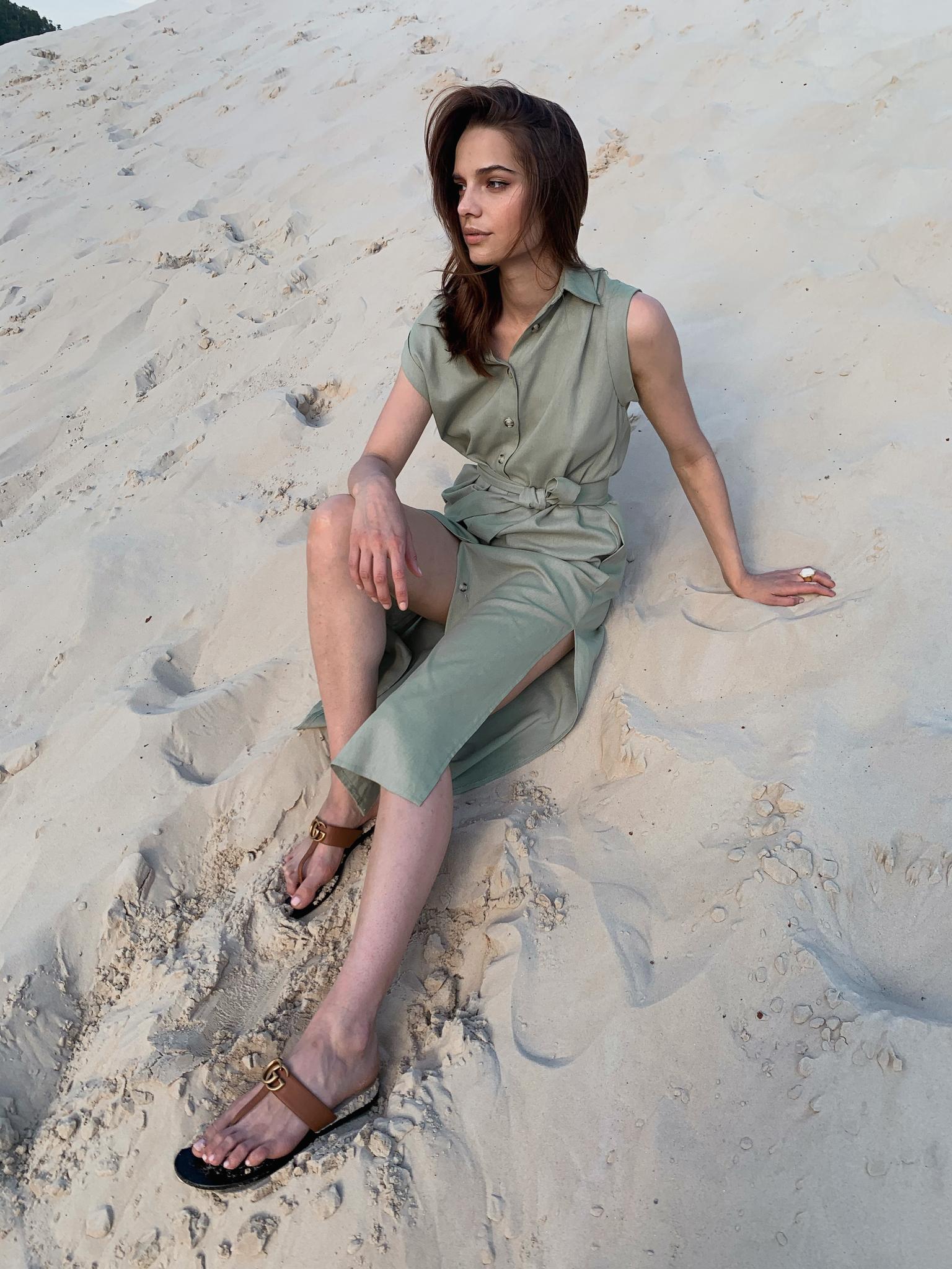 Платье-рубашка с глубокой проймой (оливковый)