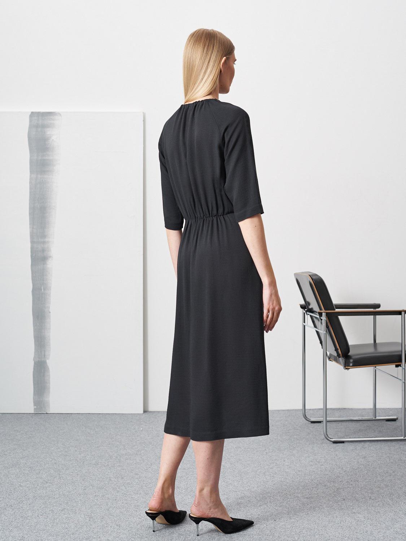 Платье Bella с отрезной талией и сборками, Черный