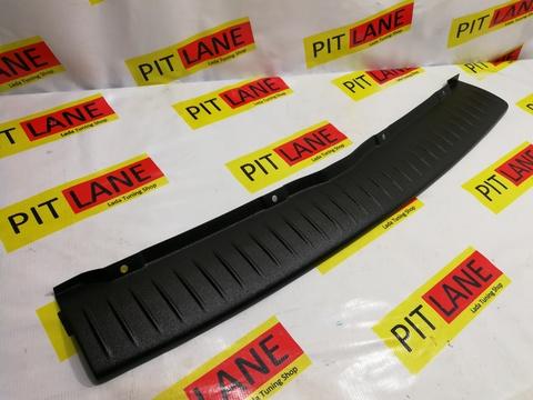 Накладка на задний бампер пластиковая Лада Калина 2 хэтчбек/гранта FL хэтчбек