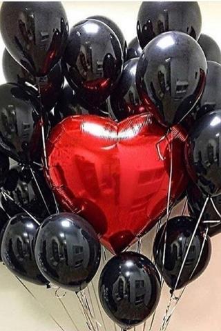 Букет черных шаров с гигантским сердцем