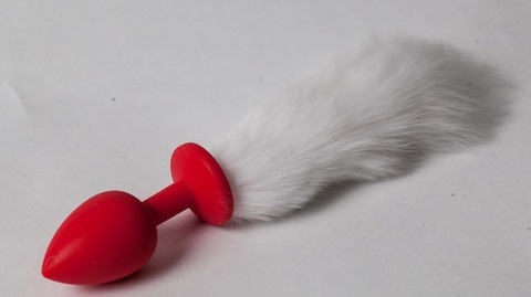 Пробка красная силикон с белым хвостом 2,8 х 18,9 см 47163-MM