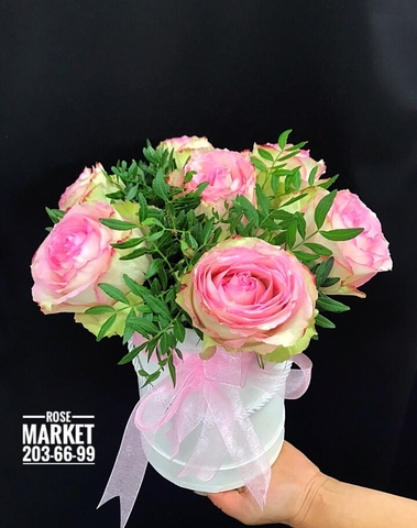 7 роз в шляпной коробке #18431