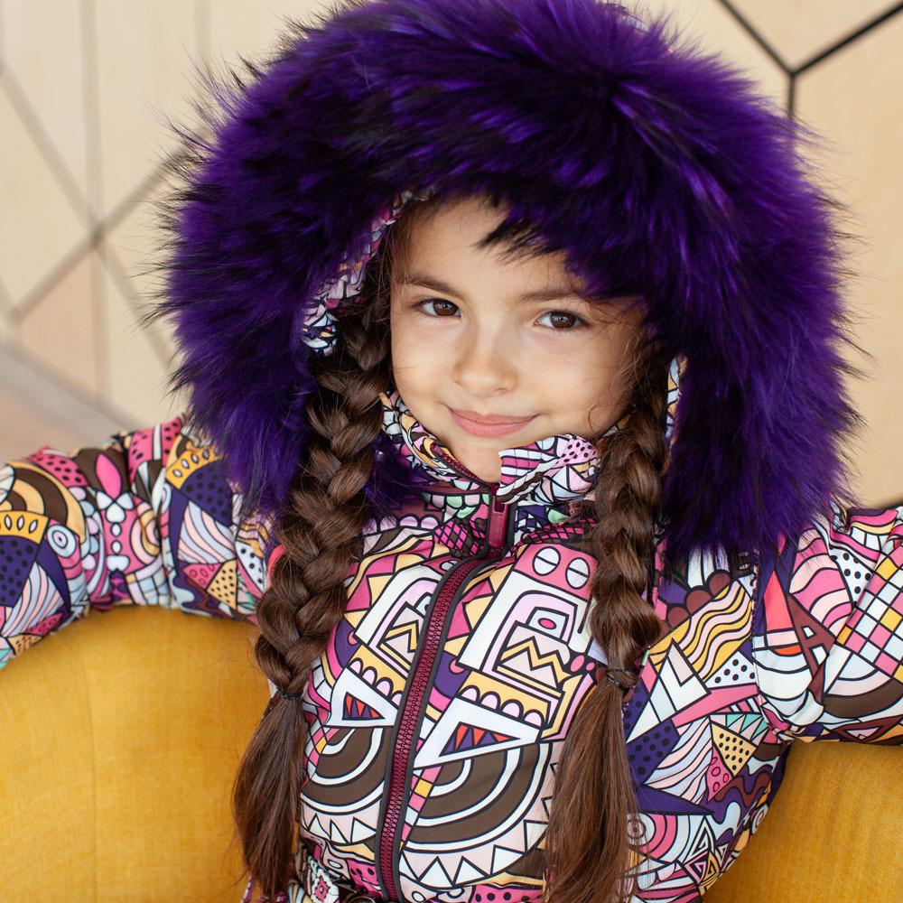 Детский зимний комбинезон с принтом «Граффити» и опушкой из натурального меха