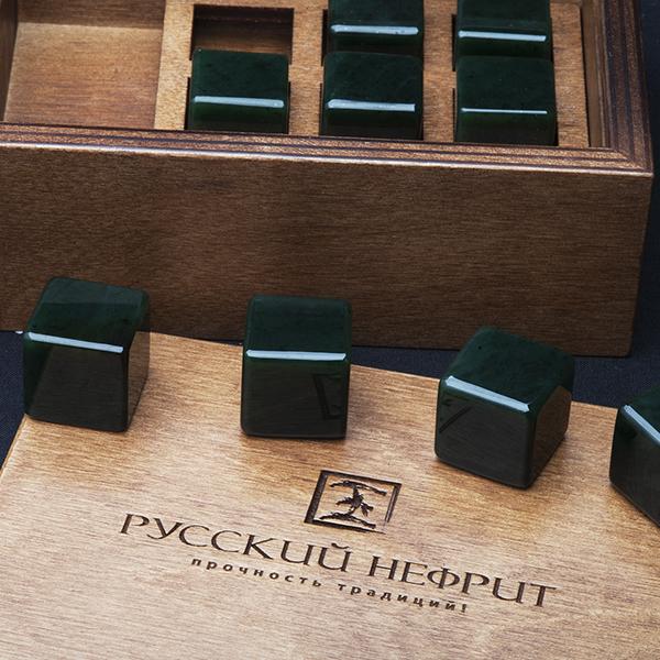 Камни для виски Камни для охлаждения виски из тёмно-зелёного нефрита. Набор 9шт. в деревянной коробочке. kubiki_dla_viski_site.jpg
