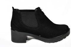 Черные ботильоны на среднем каблуке