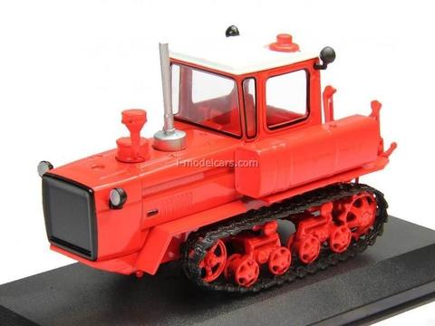 Tractor DT-175 Volgar red 1:43 Hachette #24