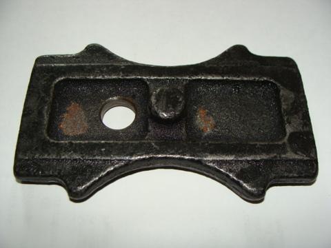 Подкладка задней рессоры 3163 (м/у рессорой и мостом) металл.