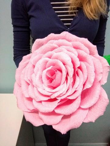 033_7975 Большой цветок из гофробумаги