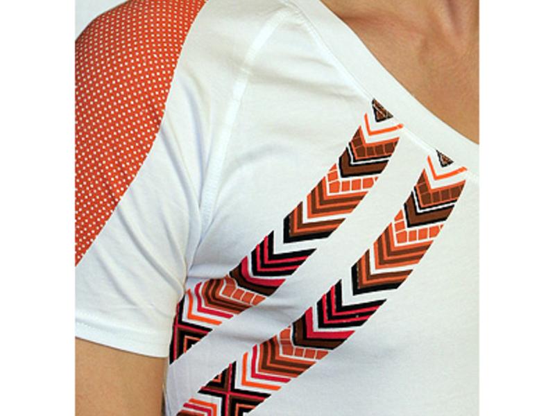 Мужская футболка белая с коричневым рисунком Doreanse 2575